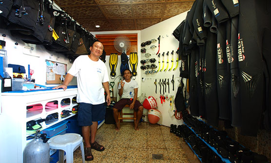 Sea Explorers Dauin Dive Center - Equipment